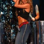 Зажигательный латиноамериканский belly dance от Шакиры