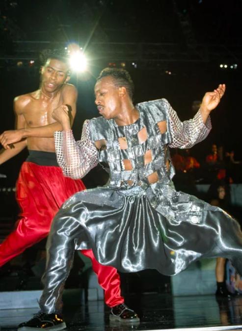 Дискотека 90-х: кто помнит зажигалку MC Hammer U Can't Touch This