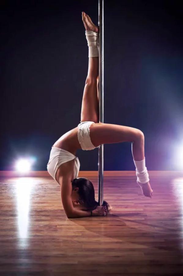 "Каро Свен акробатика на пилоне: ей не знакомы слова ""земная гравитация"""