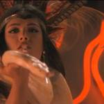 Искушение для Квентина Тарантино: шикарная Сальма Хайек и её завораживающий танец со змеей..
