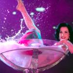 Дита фон Тиз: купание в бокале мартини с клубничкой