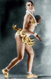 Screenshot 84 194x300 - Знакомьтесь, черная богиня бурлеска Жозефина Бейкер.