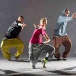 Танец: почему важно записать ребенка в школу танцев