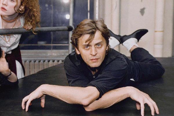 1512869520 580b80ec67a514fbfe65afec45ca47cc 1 600x400 - Михаил Барышников - танцор, который повлиял на судьбу мирового балета.