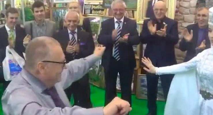 09 739x400 - Как политики отжигают и танцуют