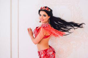 allak 2 300x200 - Алла Кушнир - непревзойденная исполнительница восточного танца.